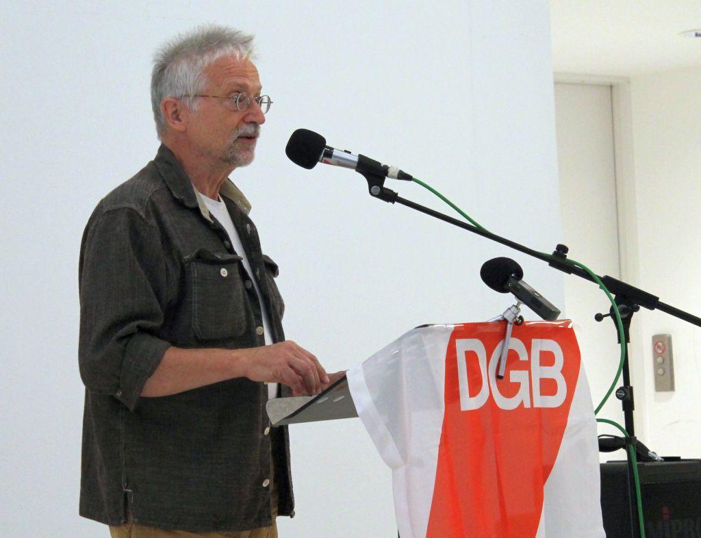 """Eckhard Froeschlin bei der Vernissage zur Ausstellung """"Matagalpa Transfer"""""""