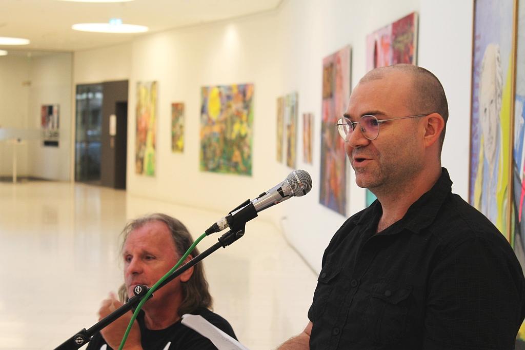 Wolfgang Neumann bei der Ausstellung Schnitt|stellen